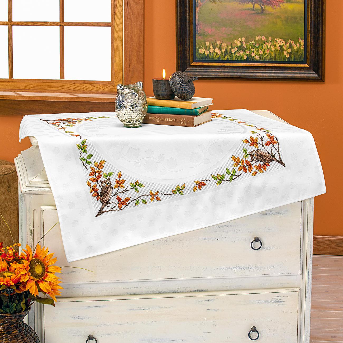jacquard damast tischdecke eule. Black Bedroom Furniture Sets. Home Design Ideas