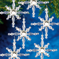 8 Nordsterne im Set, Ø 6 cm Glamouröser Perlen-Weihnachtsschmuck – in Komplettpackungen zum kreativen Selbermachen.