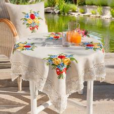 Tischdecke (leider ausverkauft) und Kissen, Tulpenstrauß