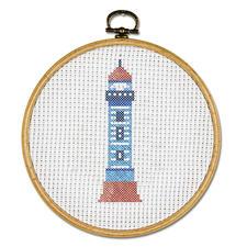 Stickbild - Leuchtturm, mit Bilderrahmen aus Holz Stickbild mit Bilderrahmen aus Holz.