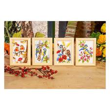 """Miniaturen """"Singvögel"""" im Holzrahmen Frühling, Sommer, Herbst und Winter: Stickideen zu jeder Jahreszeit."""