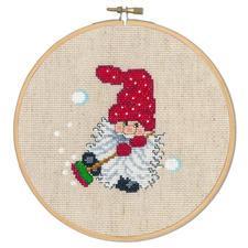 Wichtel mit Besen, Stickbild Die skandinavische Weihnachtstradition: putzige Wichtel.