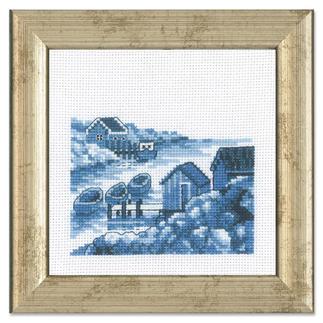 Miniatur-Stickbild - Schären Stickereien in Blau-Weiß – luftig frisch und dennoch zeitlos klassisch.